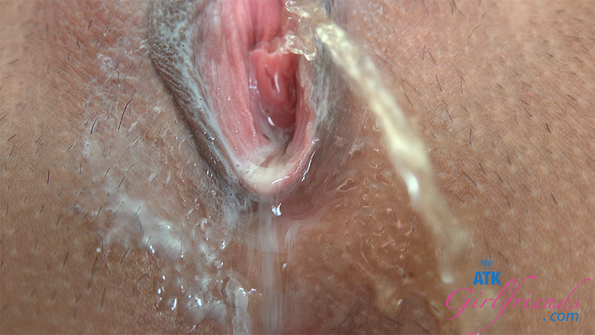 You fuck that gorgeous body until she squirts